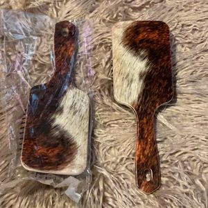 Cow Printed Wet Brush for Sale in Simmesport, LA