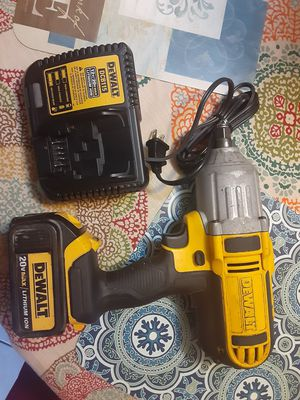 "Dewalt 20v 1/2"" impact wrench kit for Sale in San Jose, CA"