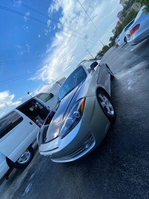 Hyundai tiburon 2006 for Sale in Miami, FL