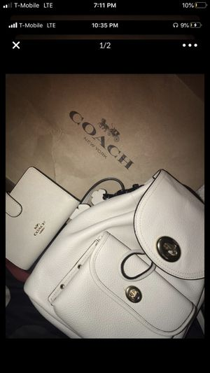 Coach for Sale in Los Angeles, CA