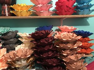 Cardstock flowers for Sale in Von Ormy, TX