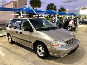 2003 Ford Mini van for Sale in Miami, FL
