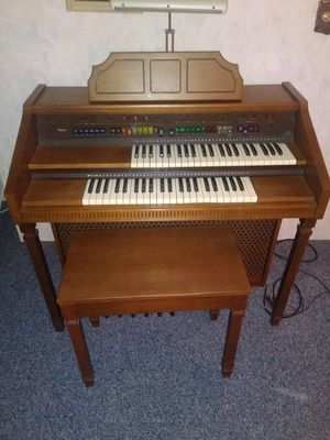 Pageant organ for Sale in Toledo, OH