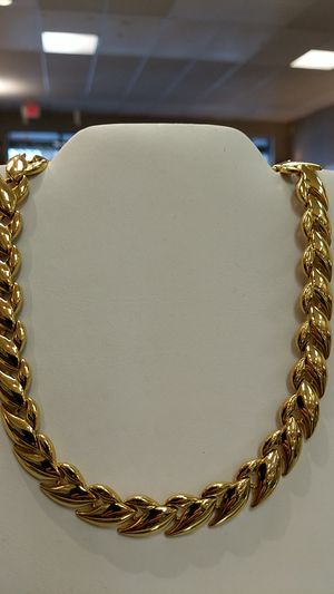 Like new PLATED GOLD NECKLACE for Sale in Leesburg, VA