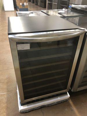 Under counter Wine cooler built in Frigidaire for Sale in Glendora, CA