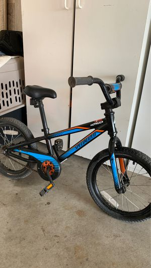 "Kids Specialized HotRock 16"" coaster w/ matching helmet for Sale in Manteca, CA"