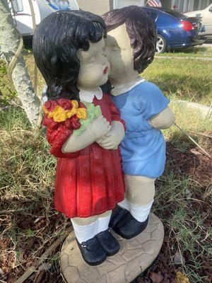 Love outdoor garden statue for Sale in Largo, FL