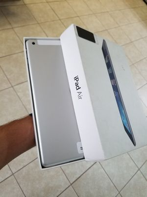 Apple iPad Air 16gb cellular+wifi Unlocked excellent condition free charger and 30days warranty for Sale in Richardson, TX