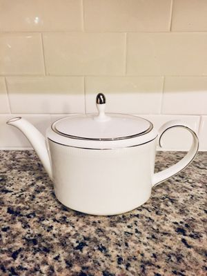 Vera Wang by Wedgwood Dinnerware, Blanc Sur Blanc Teapot for Sale in Miami, FL