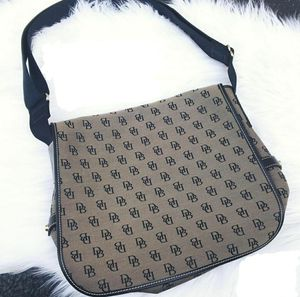 Dooney and Bourke Messenger Bag for Sale in Columbia, SC