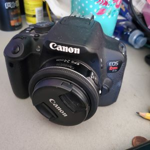 Canon t5i with canon 24mm lense for Sale in McFarland, CA