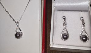 CZ diamonds pearl necklace and matching earrings for Sale in Wichita, KS
