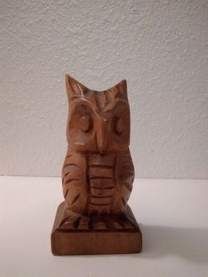 Hand Carved Wooden Owl Statue for Sale in Puyallup, WA