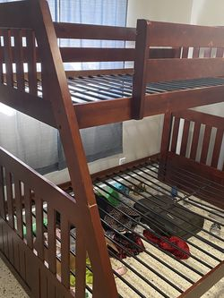 Nice Bunk Bed Full On Bottom Twin On Top for Sale in Tampa,  FL