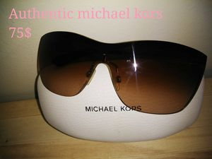 Michael kors sunglasses for Sale in St. Louis, MO