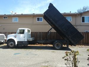 Dump truck 1990 International Diesel for Sale in Sunnyvale, CA