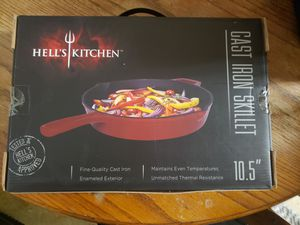 Hell's kitchen cookware Cast Iron Skillet for Sale in Sacramento, CA