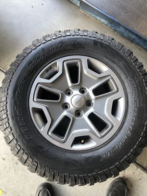 Jeep wheels and tires for Sale in Fontana, CA