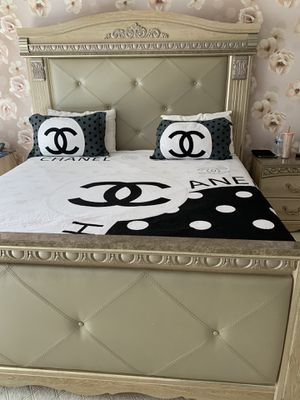 Ashley Bedroom set for Sale in South Brunswick Township, NJ