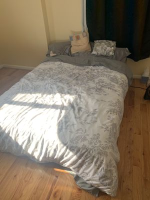 Full size bed- Serta for Sale in Philadelphia, PA