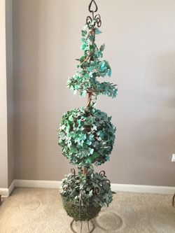 """45"""" Tall artificial Topiary Tree in Metal Urn, some fading, needs TLC (1 only) Retails $99.99 at Hobby Lobby for Sale in Plainfield,  IL"""
