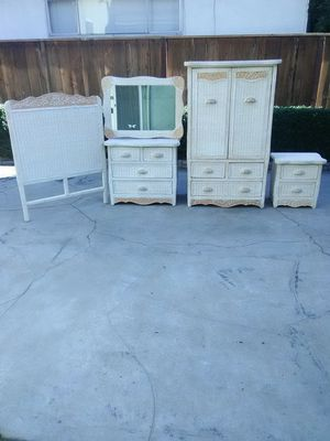 Pier One Imports Wicker Twin Bedroom Set for Sale in Fresno, CA