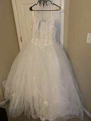 White wedding dress for Sale in Brighton, CO