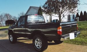 strong FRAME and ENGINE 4x4 Toyota TACOMA 2001 for Sale in Sioux Falls, SD