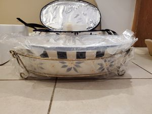Temptations Oval Baker with Metal Rack and Carry Case for Sale in Hasbrouck Heights, NJ