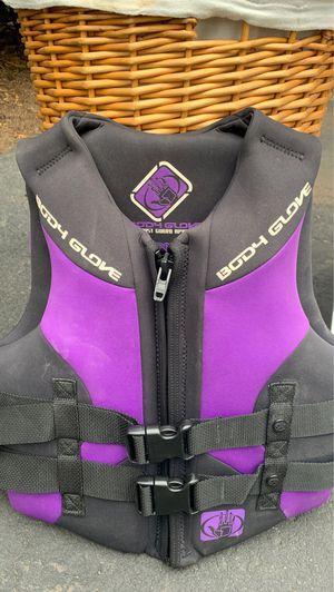 Body glove vest type 3 pfd for Sale in Saddle River, NJ