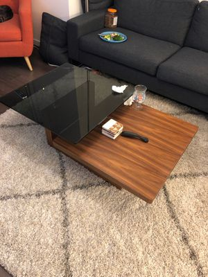 Glass and wood coffee table for Sale in Chicago, IL