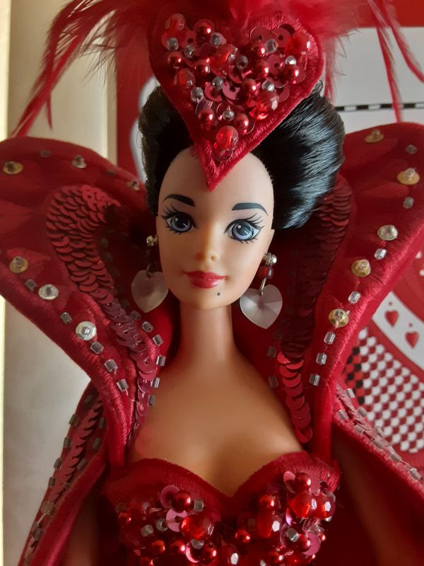 QUEEN OF HEARTS BARBIE DOLL 1994 BOB MACKIE