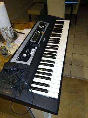 Yamaha keyboard for Sale in Bloomingdale, IL