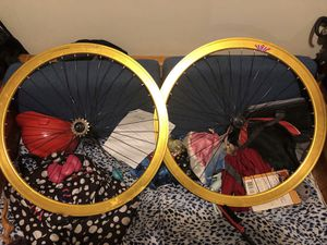Gold deep dish rims for Sale in Bronx, NY