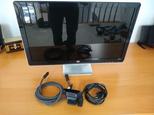 "Hp 25"" HD wide screen 60hz computer monitor + hd Logitech webcam + gold plated hdmi for Sale in Reston, VA"