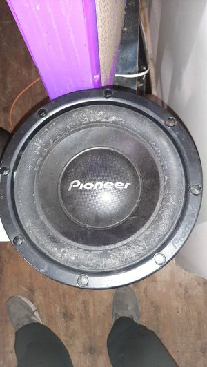 12' pioneer speaker and box for Sale in Rossville, GA