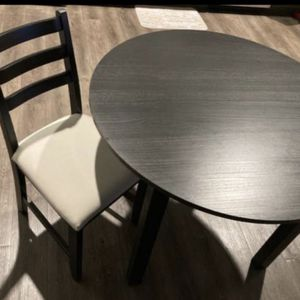 Dinning Table And Chair for Sale in Coronado, CA