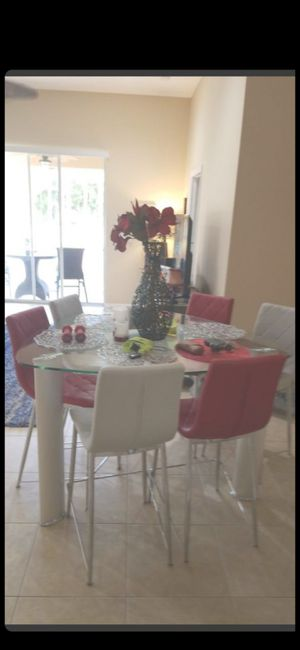 HIGH TOP MODERN GLASS TABLE W 6 CHAIRS! for Sale in Delray Beach, FL
