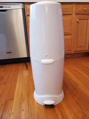 Playtex Diaper Genie II Elite Like New for Sale in Hazlet, NJ