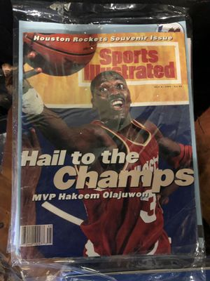 Magazine collectible sports editions, Sports Illustrated and other vintage Magazines for Sale in Houston, TX