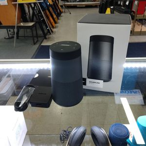 Bose Soundlink Revolve Bluetooth Speaker Like New In Box True 360° Sound Water Resistant and Durable for Sale in Chula Vista, CA