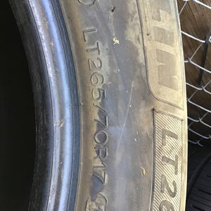 1 Tire LT 265/70/17 Michelin for Sale in National City, CA