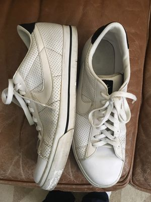 Men's Nike Kaishi brand tennis shoes size 11 1/2 for Sale in Fresno, CA