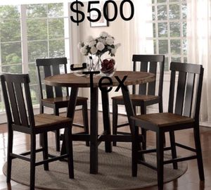 New counter height table and 4 chairs set for Sale in Los Angeles, CA
