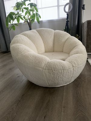 White Lounge Chair for Sale in Culver City, CA