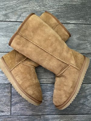 Kirkland Costco suede Ugg style boots women's 7 for Sale in Santee, CA