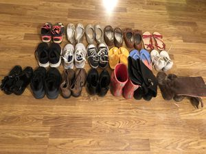Lot of 13y girls shoes for Sale in Cleveland, TN
