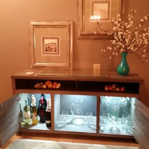 ** TV>BAR SET UP..INCLUDES** for Sale in Clinton Township, MI