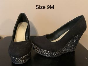 Black canvas and lace design wedge heels for Sale in Walton, KY
