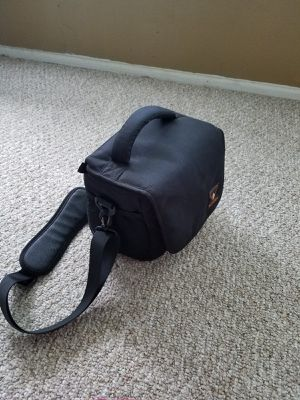 New DSLR camera bag with rain cover for Sale in Smyrna, GA